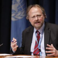 "Heiner Bielefeldt – the United Nations Special Rapporteur on Freedom of Religion or Belief – briefs correspondents on the issue at UN Headquarters on Thursday 20 October. The Iranian government has a ""clearly articulated policy of extreme hostility"" towards its 300,000-strong Baha'i minority, said Dr. Bielefeldt. UN Photo/Paulo Filgueiras"