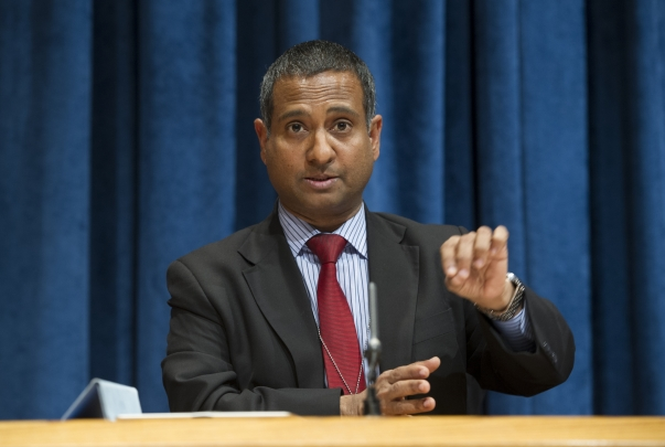 Ahmed Shaheed, the United Nations Special Rapporteur on the situation of human rights in Iran, speaking at a press conference on Wednesday 24 October. UN Photo/Eskinder Debebe.