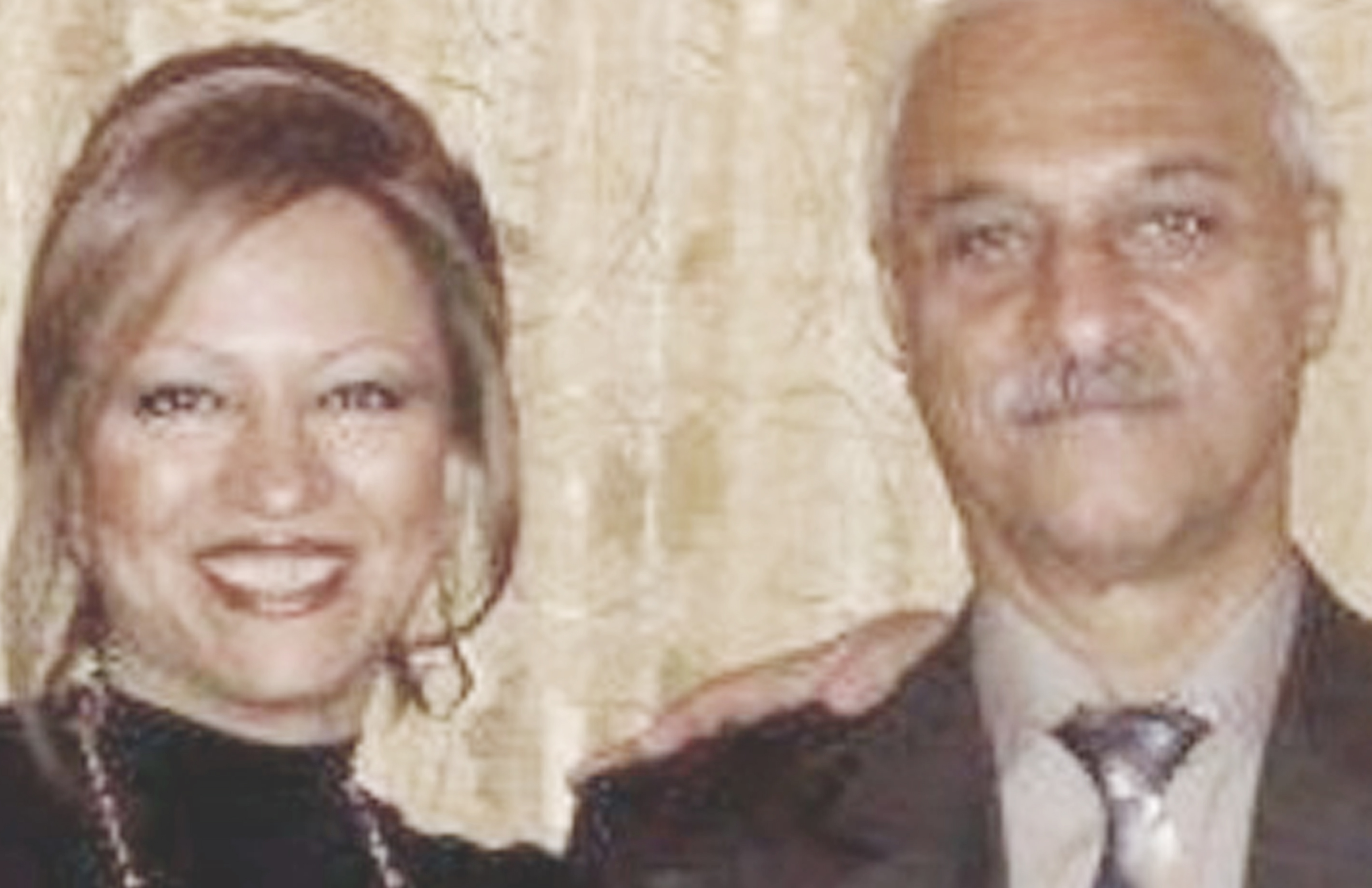 Elham Farahani (left), Adel Naeimi (right)