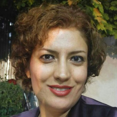In the past few days, Nazanin Nikouseresht, a freshman at the Literature and Human Sciences Department of Shiraz University, was expelled and kept from continuing her education, after two and a half months as an English Literature student.